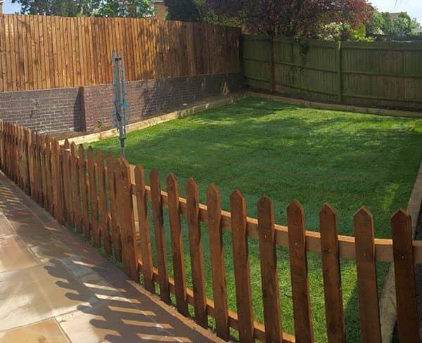 Small Garden Fencing: Fencing Loughborough